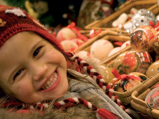 Kirchplatz: Völser Weihnachtsmarktl