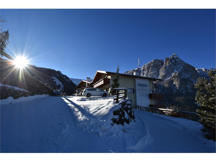 Hotel Gstatsch in winter