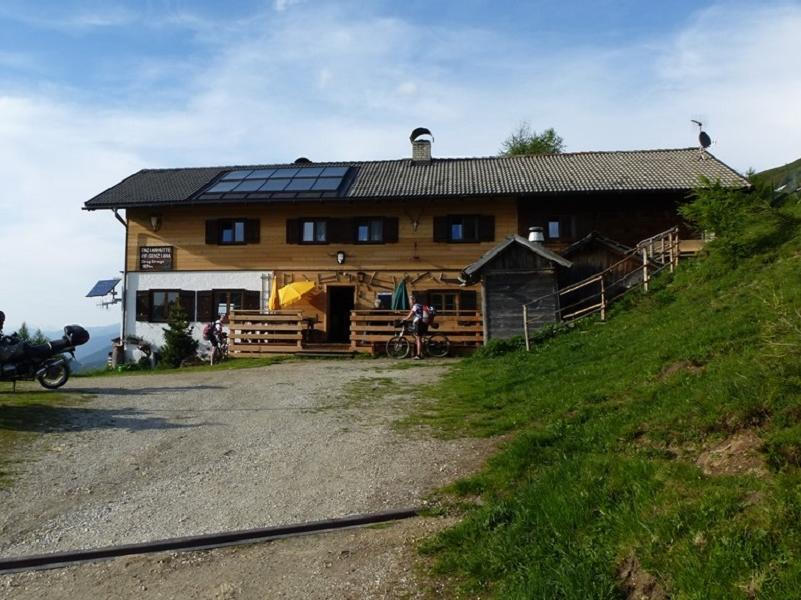Mountain hut Enzianhütte>Yoke Schlüsseljoch