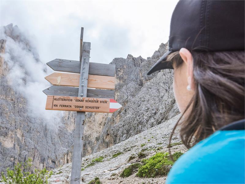 Oskar Schuster - Dolomites Val Gardena