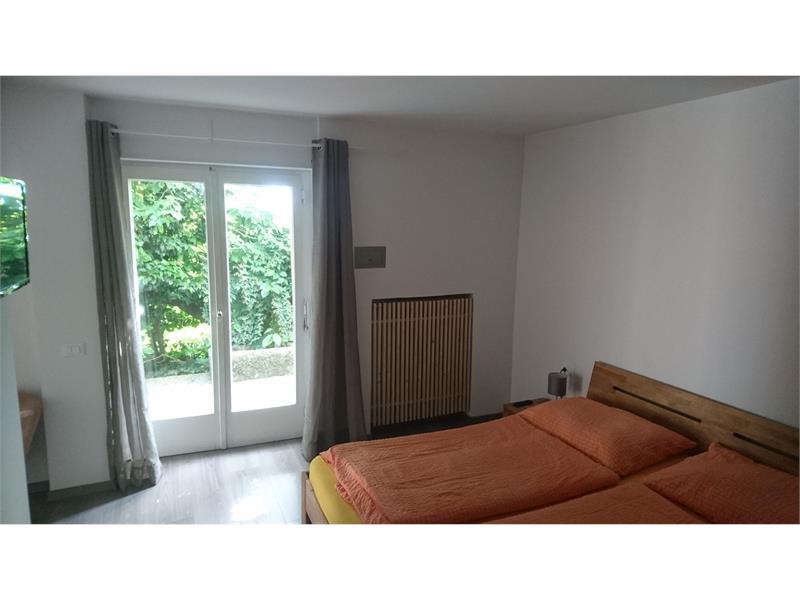 flat 2: bedroom