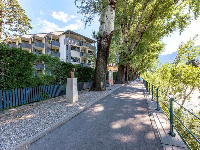 Flora Hotel & Suites - In posizione molto tranquilla alla Passeggiata lungo Passirio