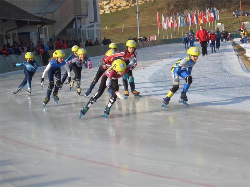 Anello di ghiaccio nell'arena Ritten a Collalbo