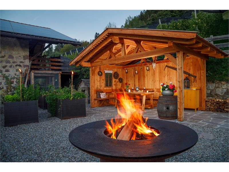 Grill- und Feuerstelle