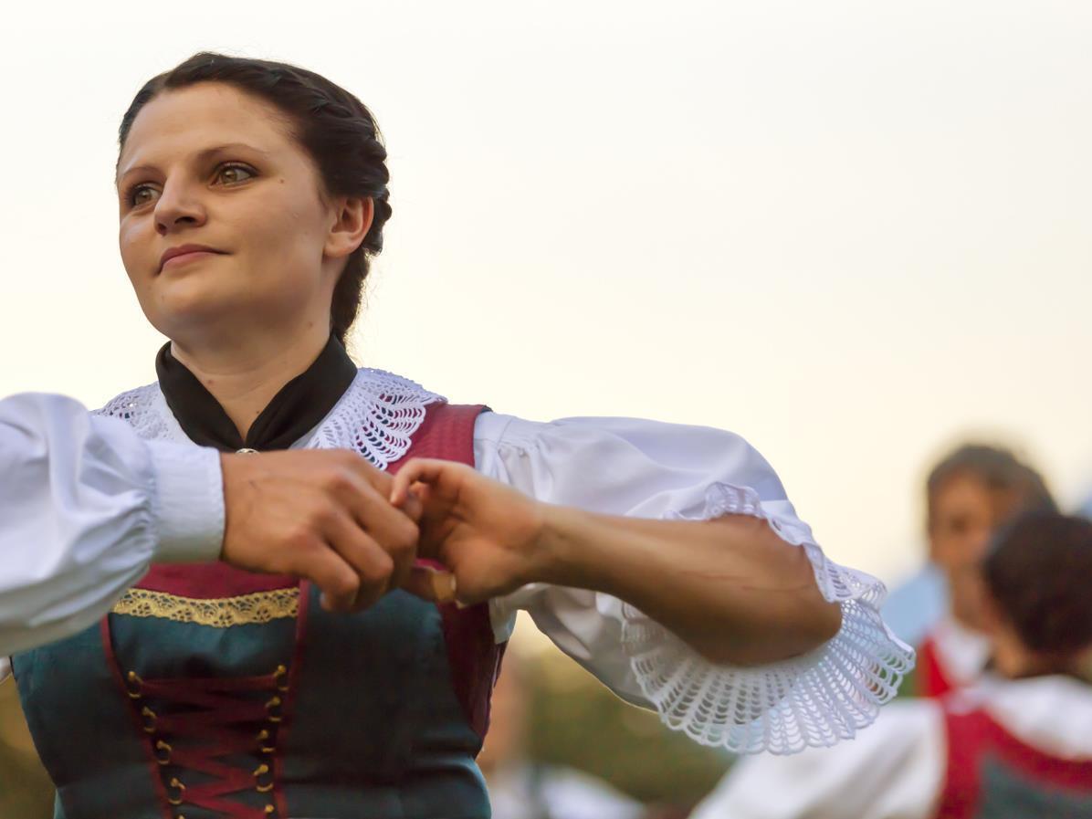 Lederhosen und Musikfest der Bürgerkapelle Latsch