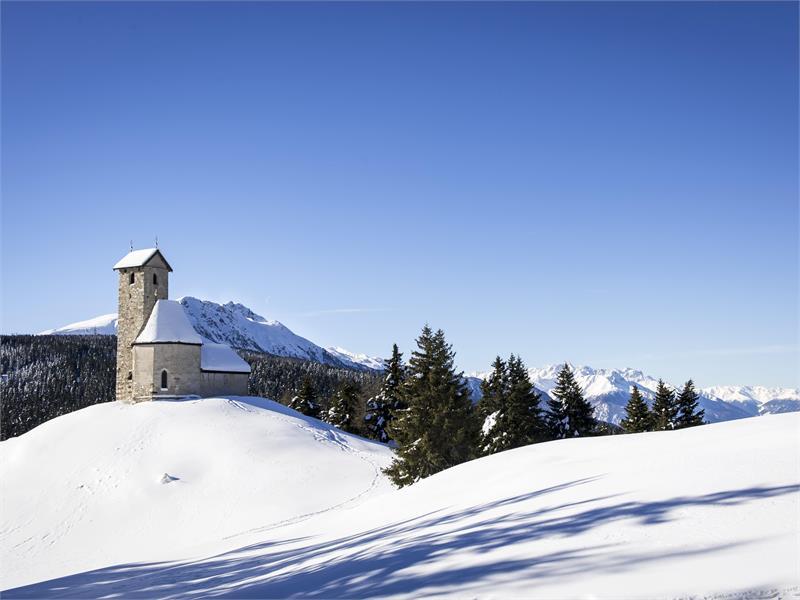 Winter hike San Vigilio