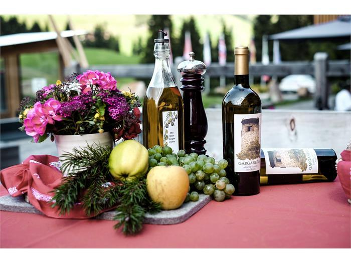 Olio d' oliva extravergine e vino della nostra tenuta a lazise