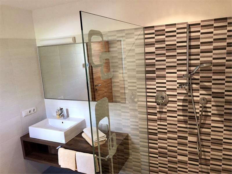 Badezimmer Wohnung Alpenrose