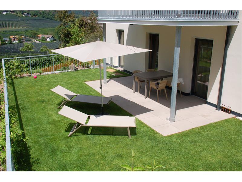 Private garden apartment VIOLA