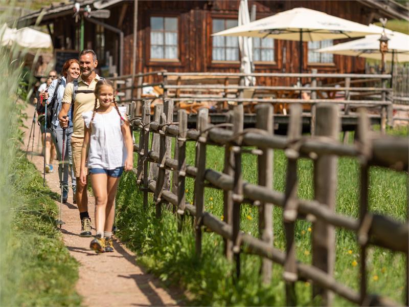 Facile escursione per famiglie a Verano