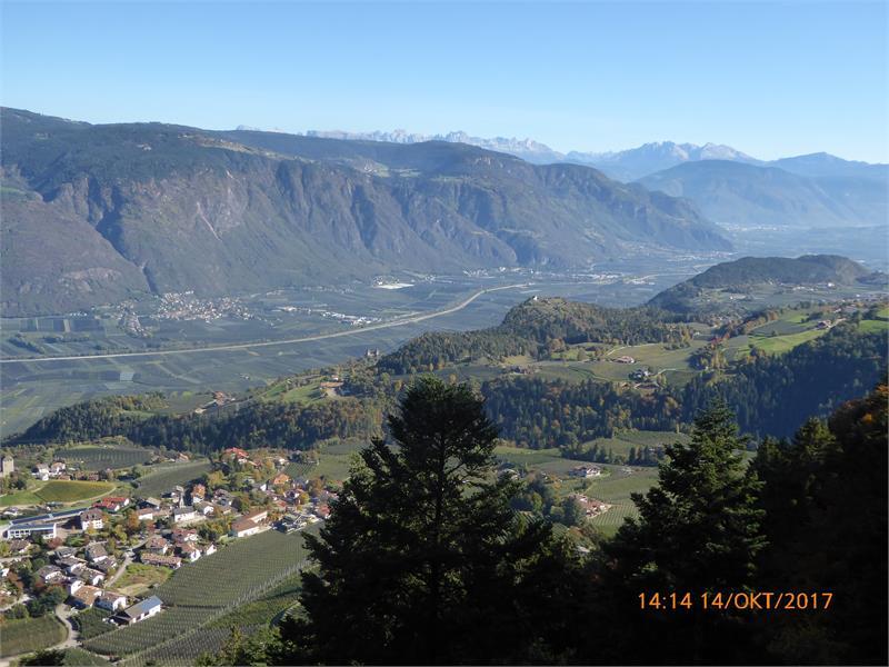 Blick in Richtung Bozen und Dolomiten