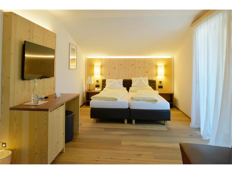 """Panorama-Suite """"Euringer"""" Behagliche Panorama-Natursuite im """"alpine style"""", circa 40 m², Südseite."""