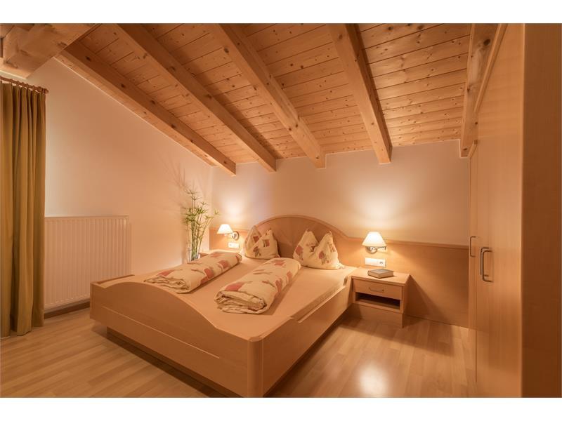 Schlafzimmer - Ferienwohnung Rosmarin Wieserhof Vöran