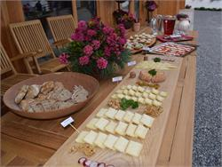 From milk to cheese - visit of a cheese dairy with a subsequent tasting