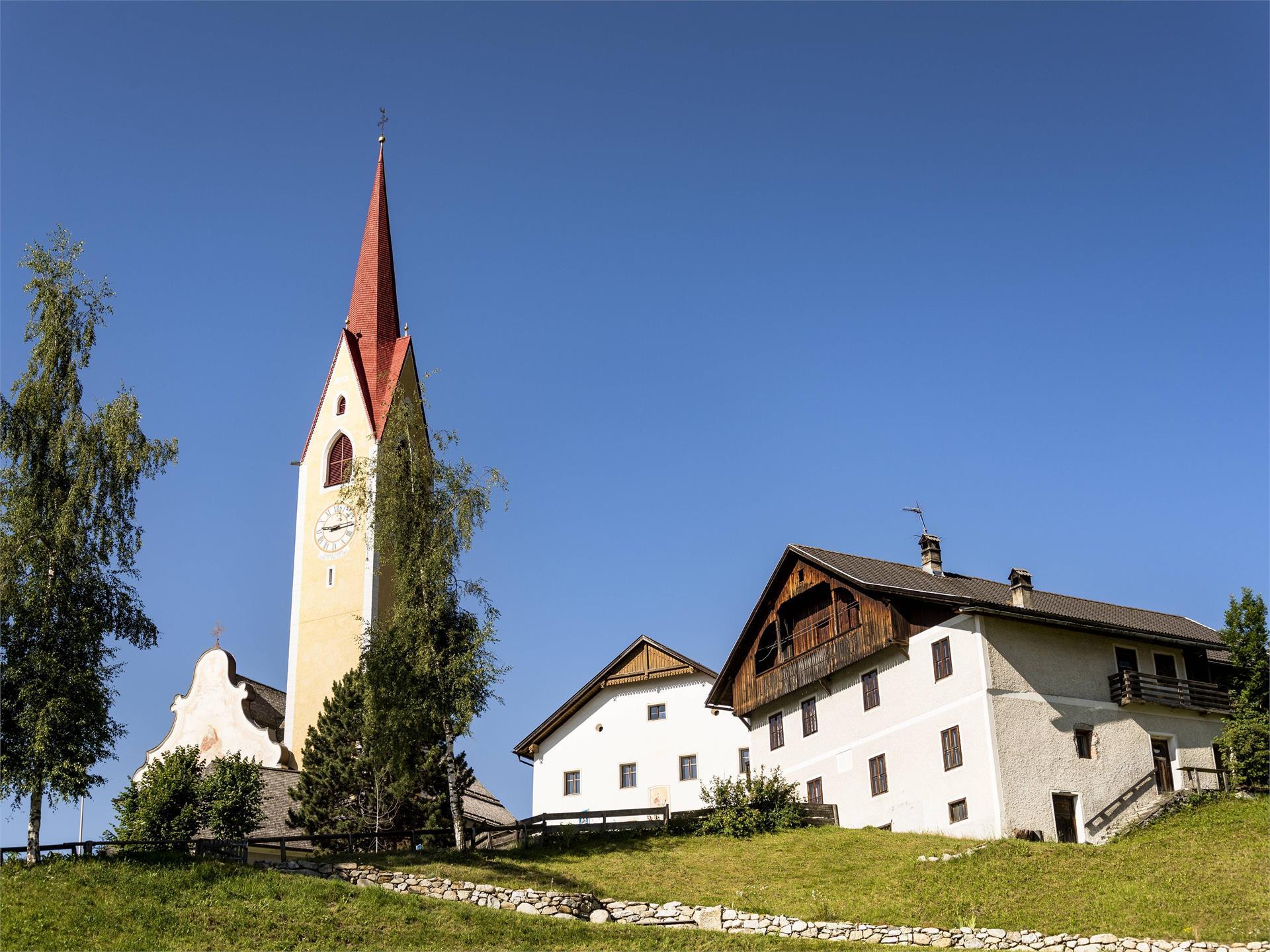 Pfarrkirche in Taisten
