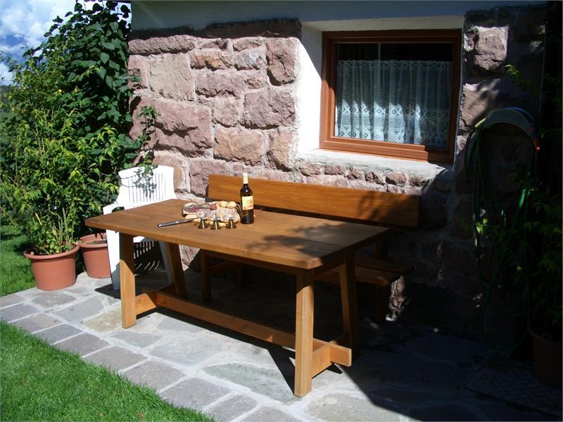 A cozy sitting area in the garden - Trotnerhof