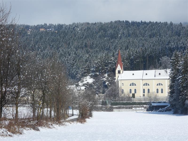 Kirche Kiens Winter B