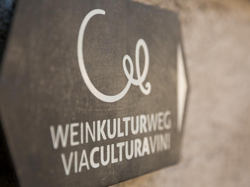 Das Logo des WeinKulturWegs
