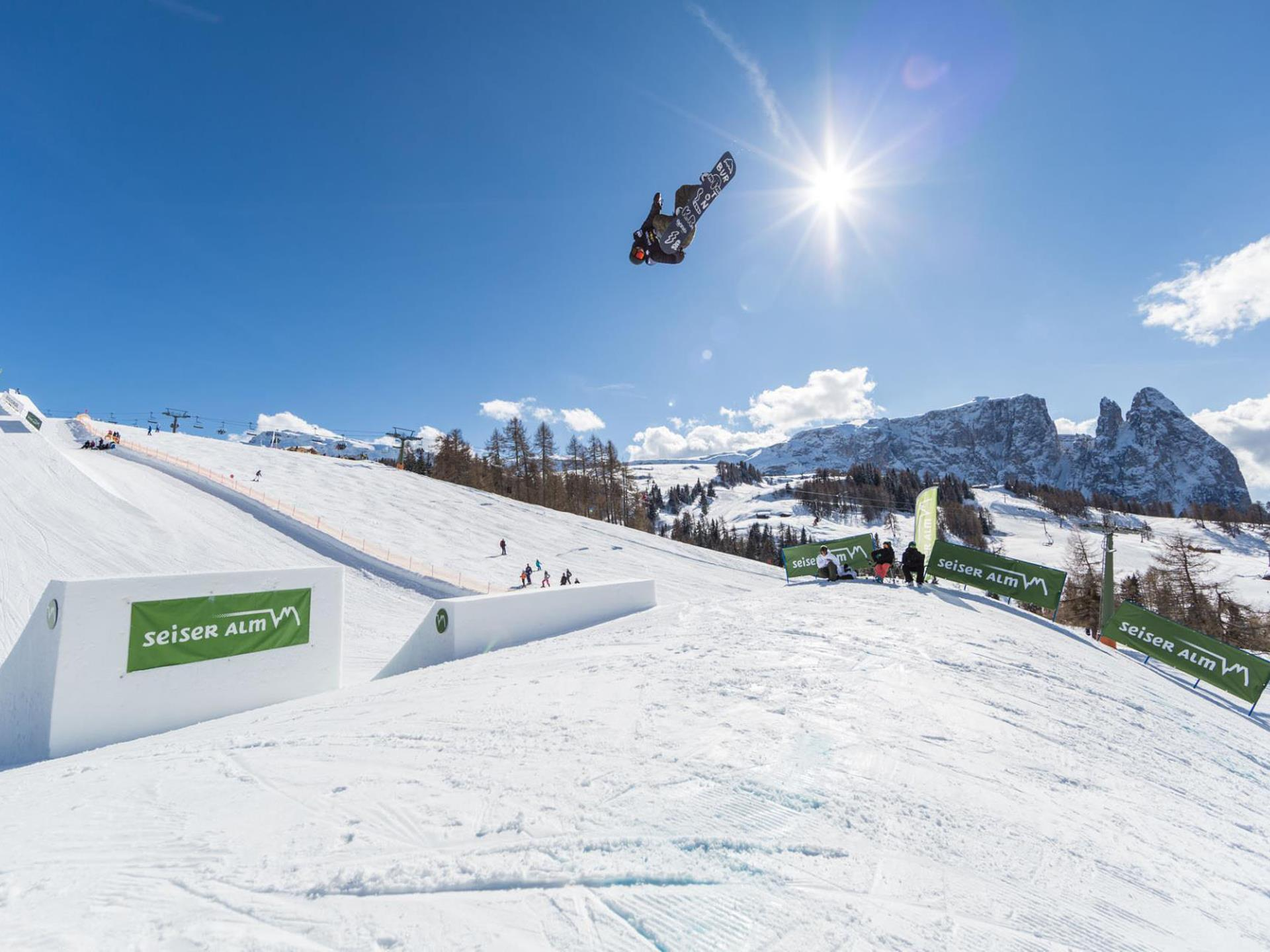 FIS Weltcup Slopestyle Snowboard & Freeski