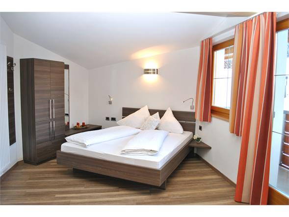 Double Room with shower/wc/fon/sat-tv/safe