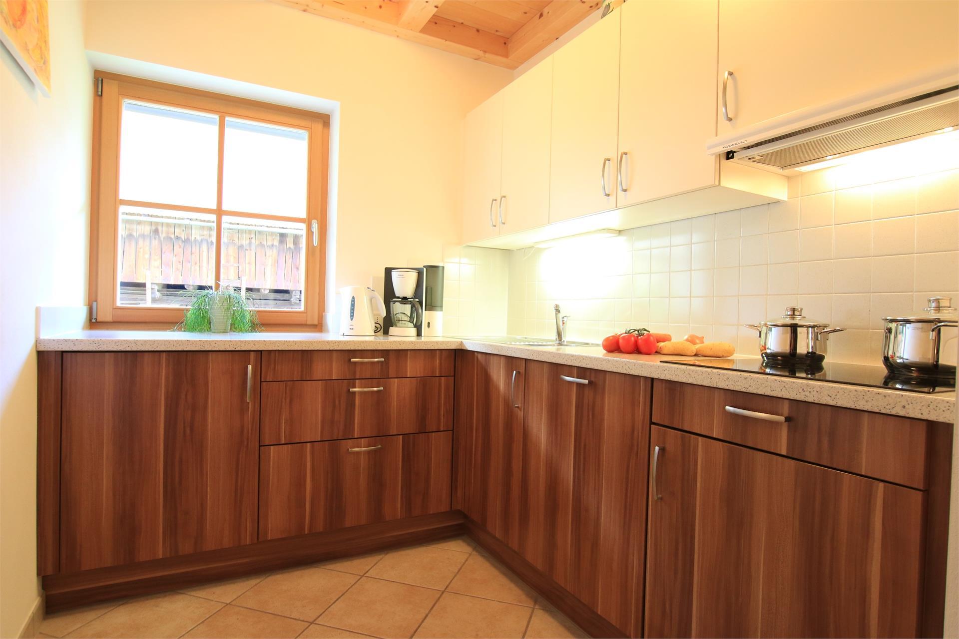 Komplett ausgestattete, abgetrennte Küche