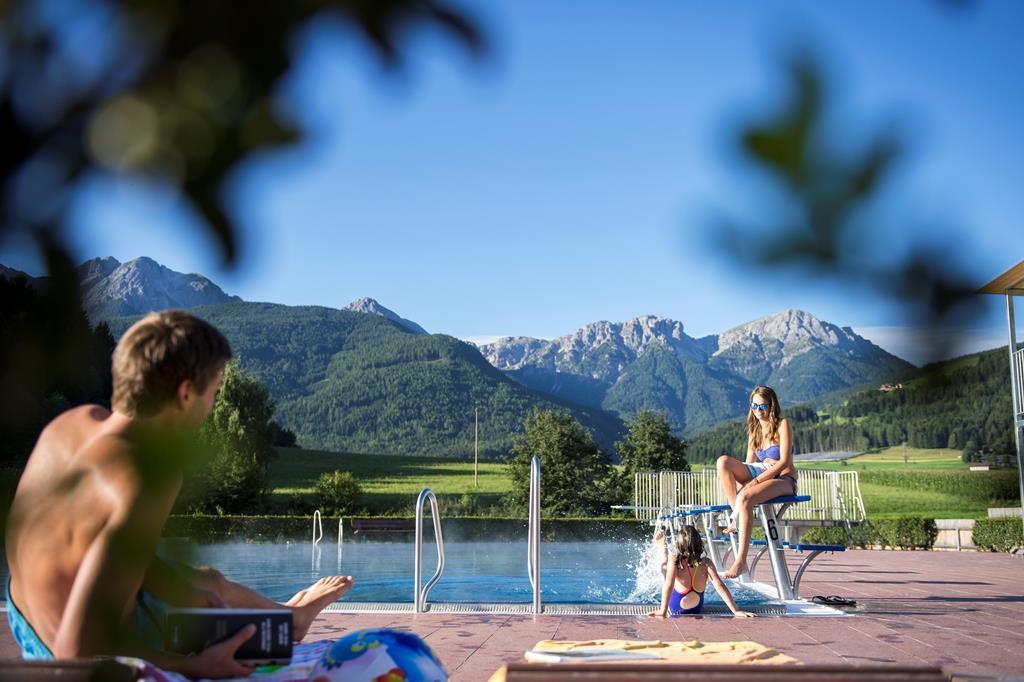 Valdaora/Olang outdoor swimming pool
