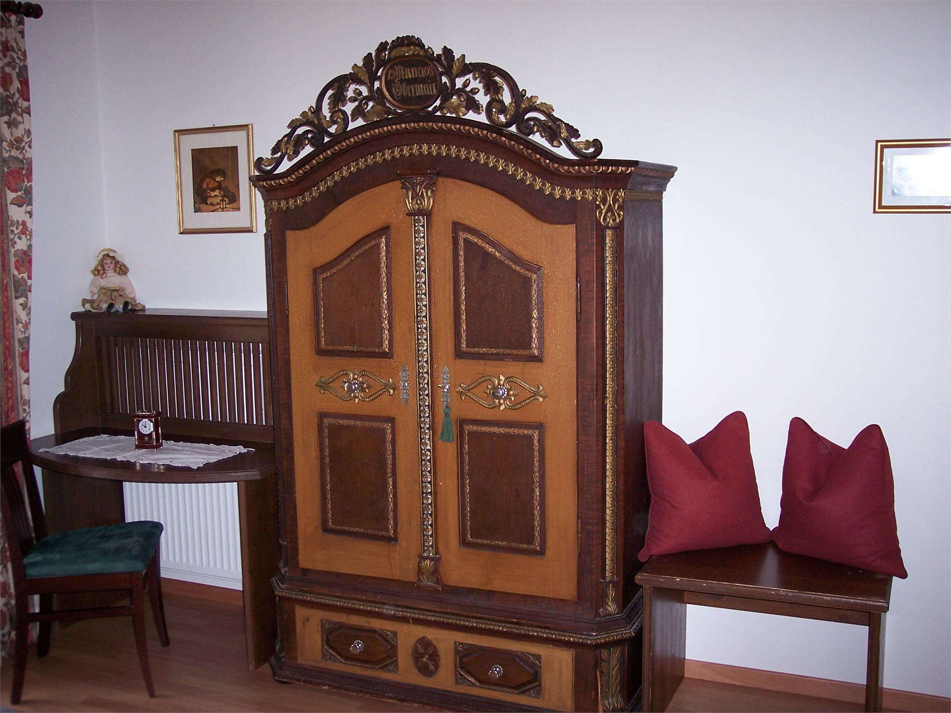 Room with antique forniture
