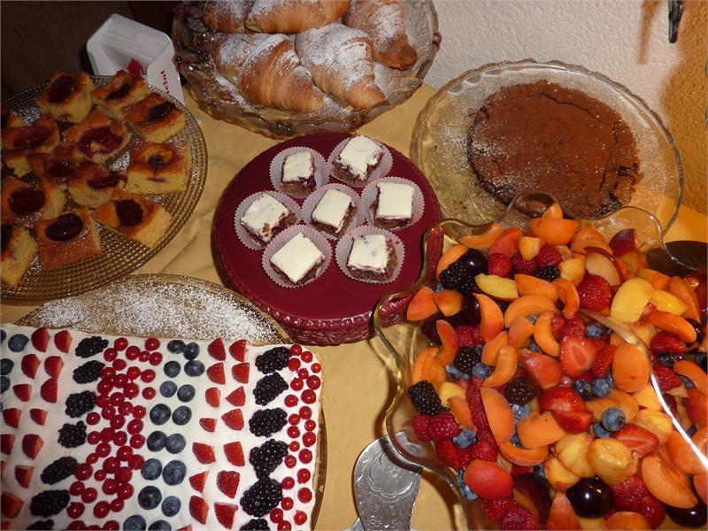 Hausgemachte Kuchen zum Frühstück im Zima