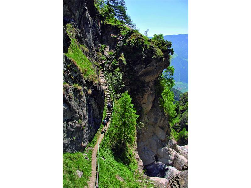 Wanderung durch die 1.000 Stufen-Schlucht Naturns