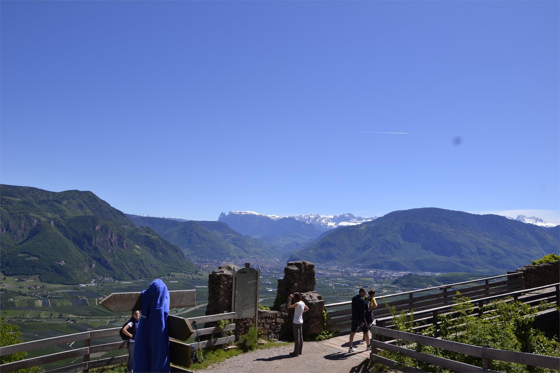Aussichtspunkt bei der Drei Burgenwanderung