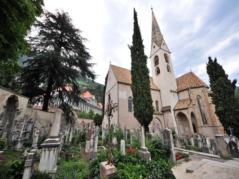 Old Gries Parish Church