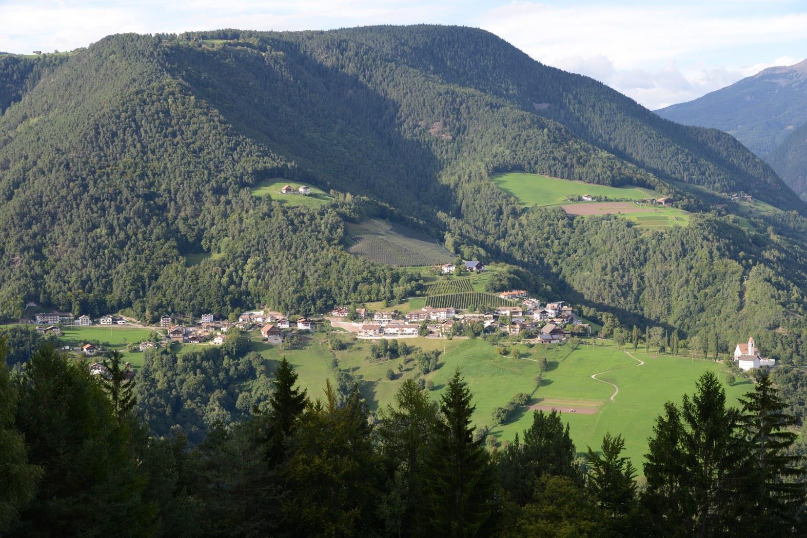 Sentiero circolare: San Genesio - Avigna