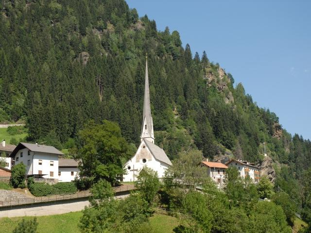 Pfarrkirche Maria Himmelfahrt Parish Church in Moso/Moos
