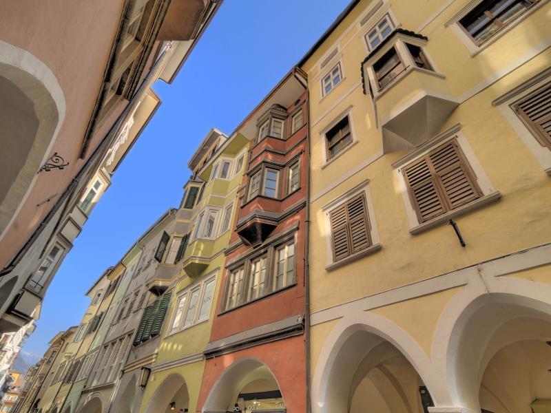 Via Portici-Laubengasse