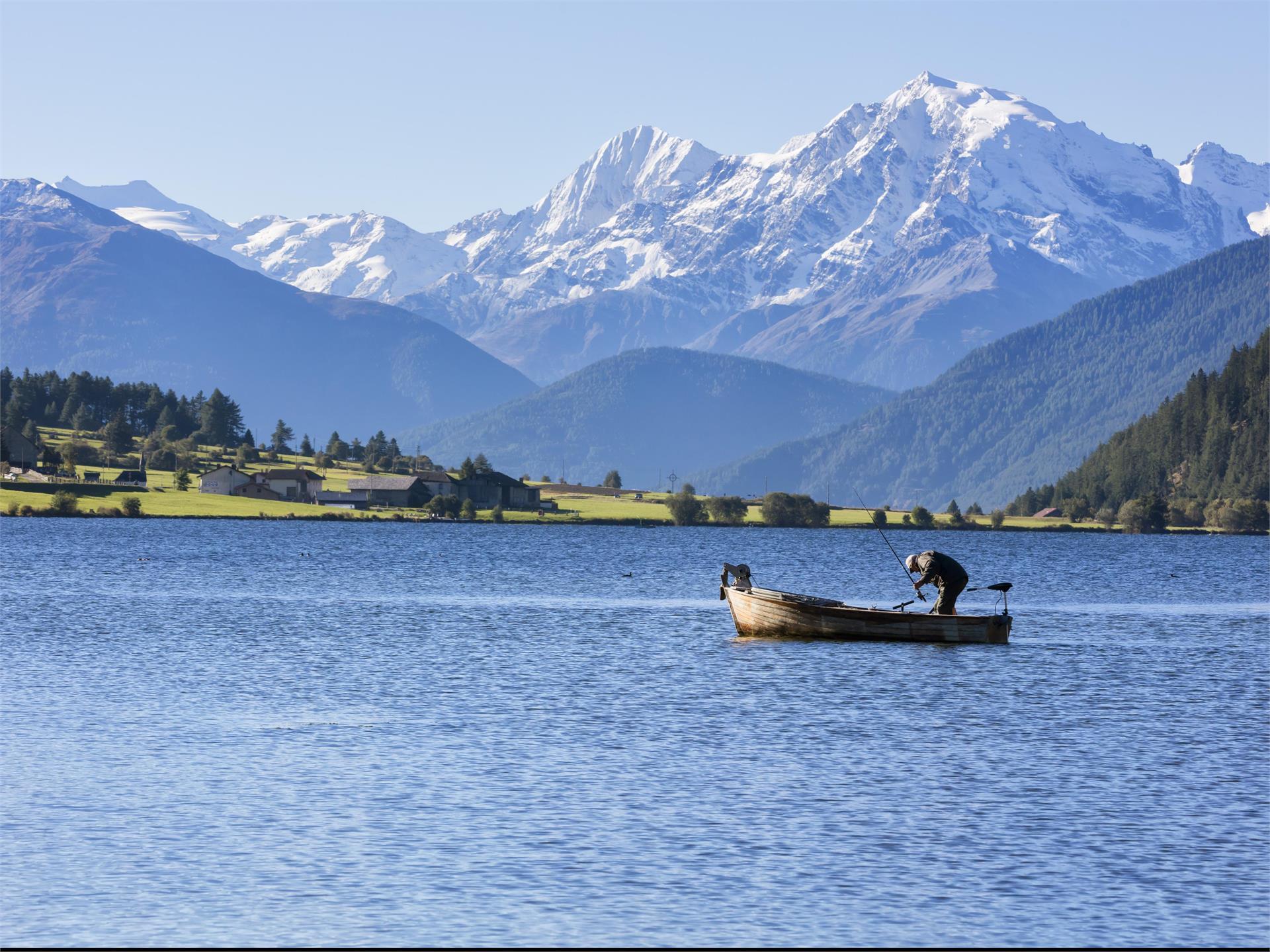 Pesca al lago di San Valentino
