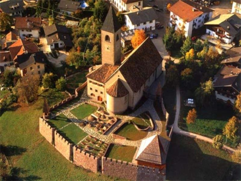 "The Parish Church ""Holy cross"" of Siusi/Seis"