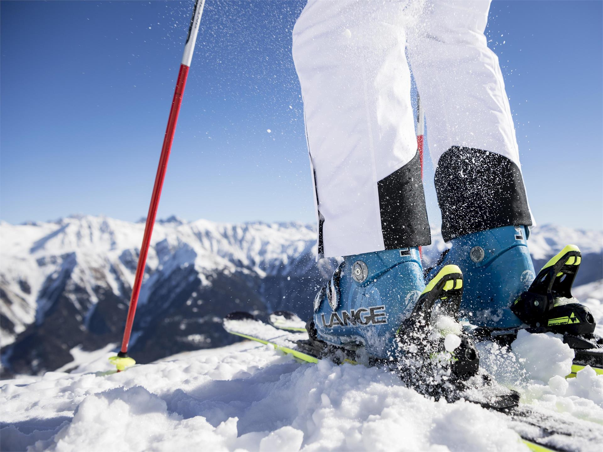 International giant slalom race