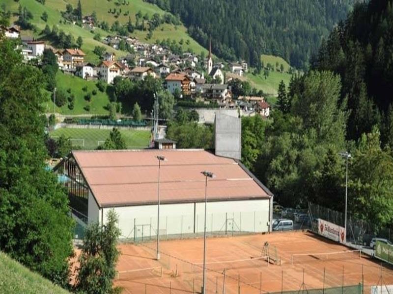 Tennis in S. Leonardo i. P. / St. Leonhard i. P.
