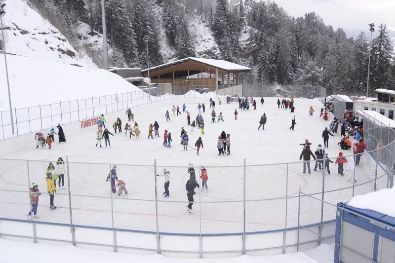 Ice skating rink Setil