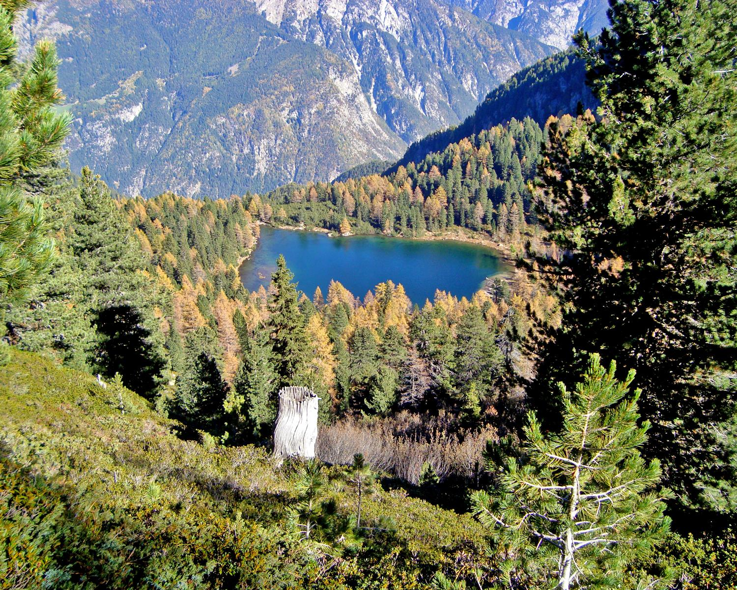 From Penserjoch pass to the Puntleider lake