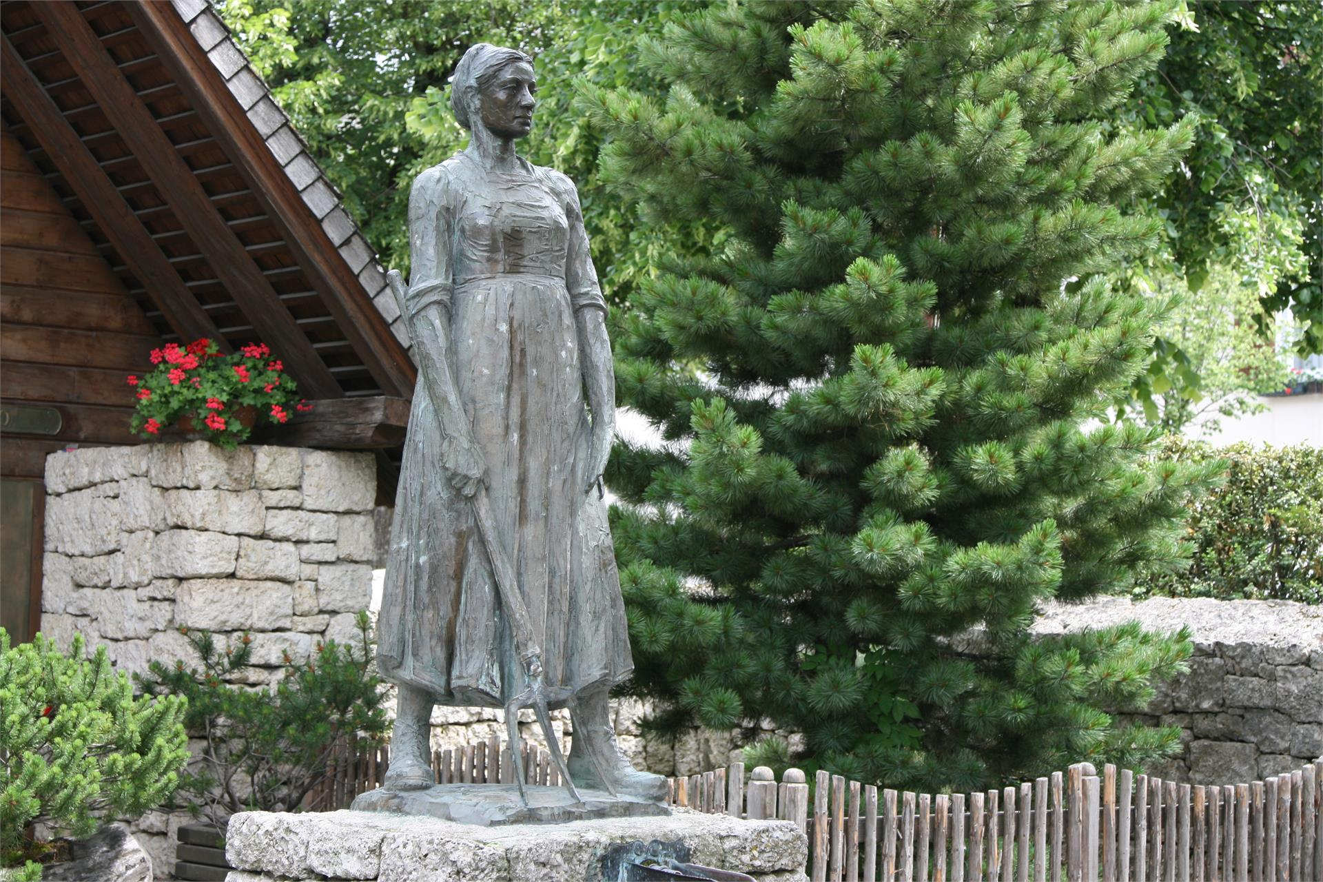 Catarina Lanz Monument
