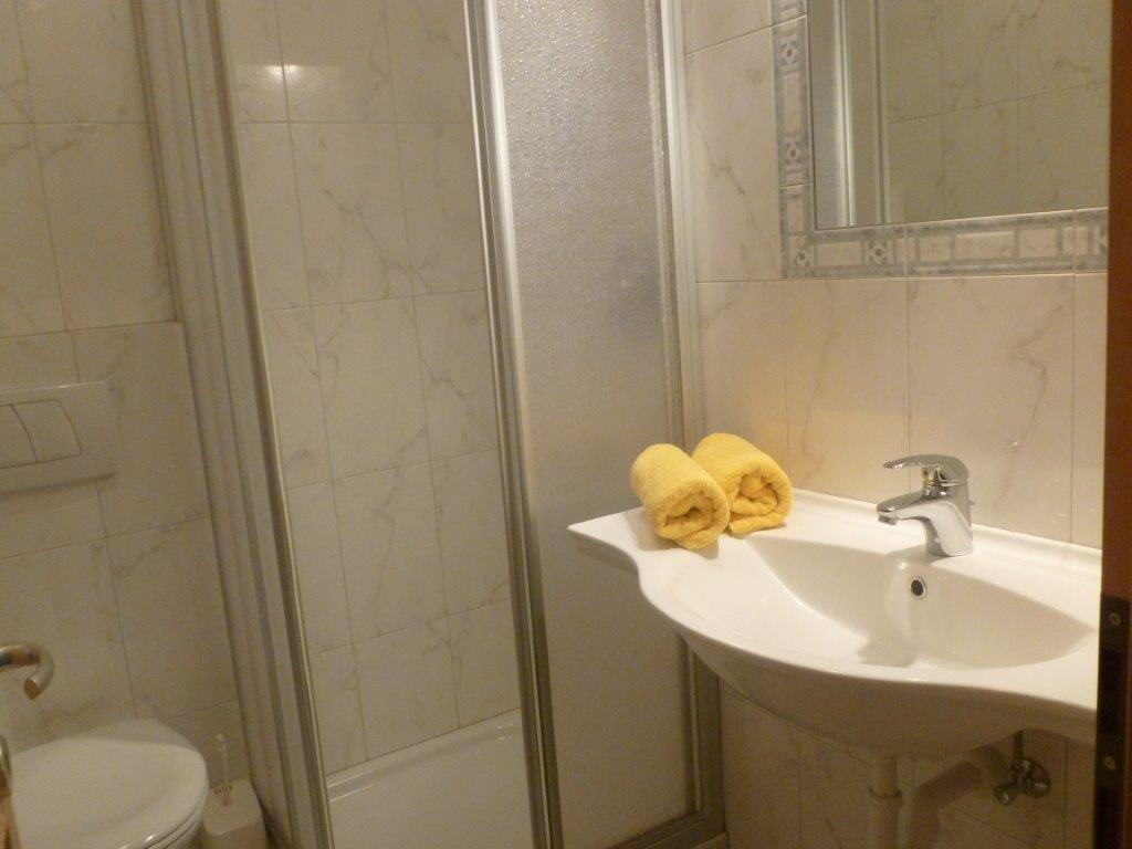 Bad mit Dusche W.C.