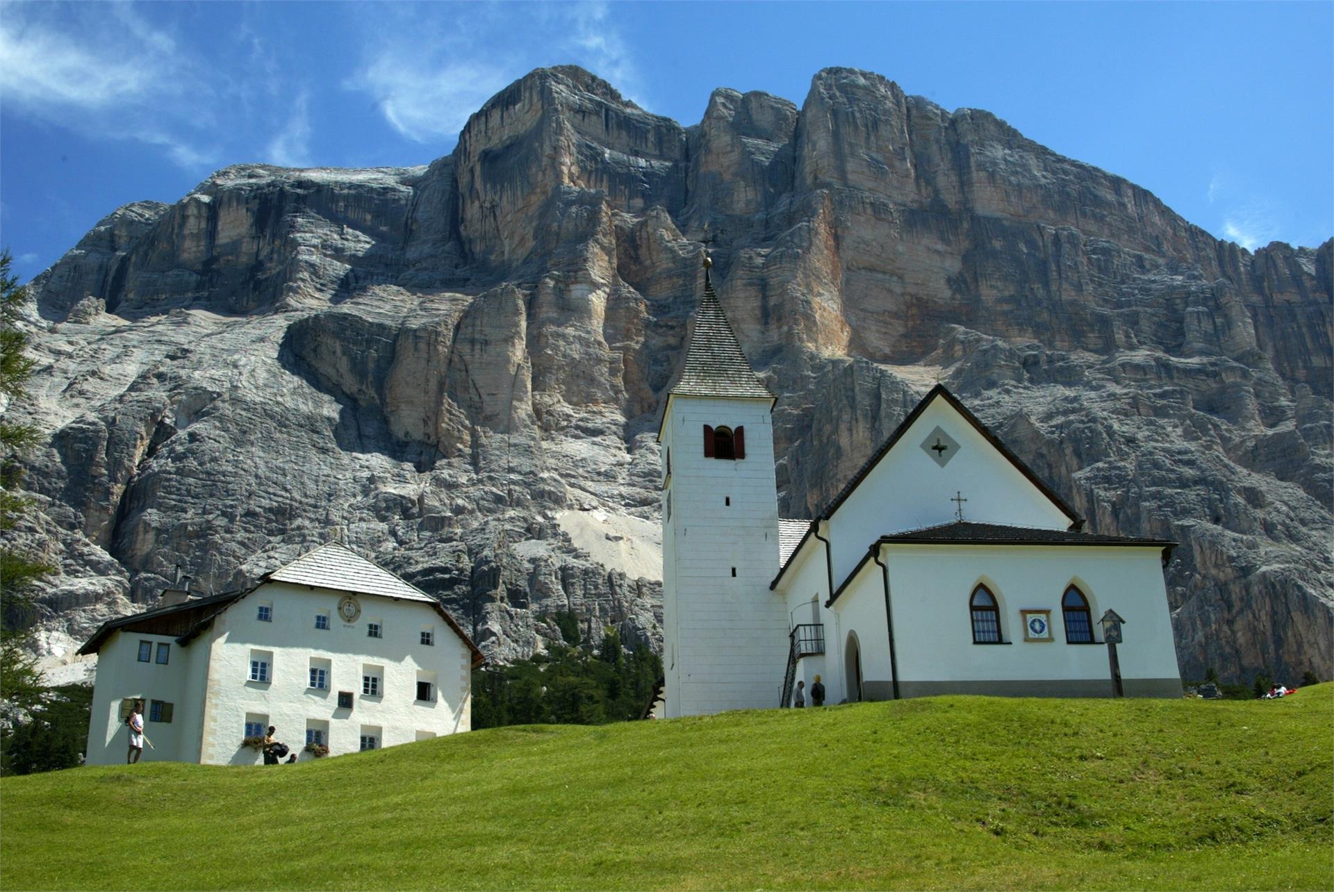 Wanderung von San Cassiano nach Badia über Heilig Kreuz