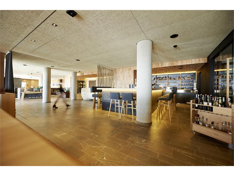 Lobby e wine bar