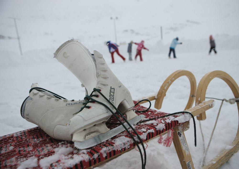 Schlittschuhlaufen & Eisstockschießen im Schnalstal - Südtirol