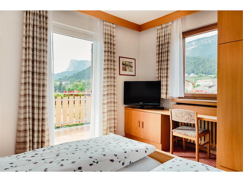 Double rooms with balcony and panoramic view to the south