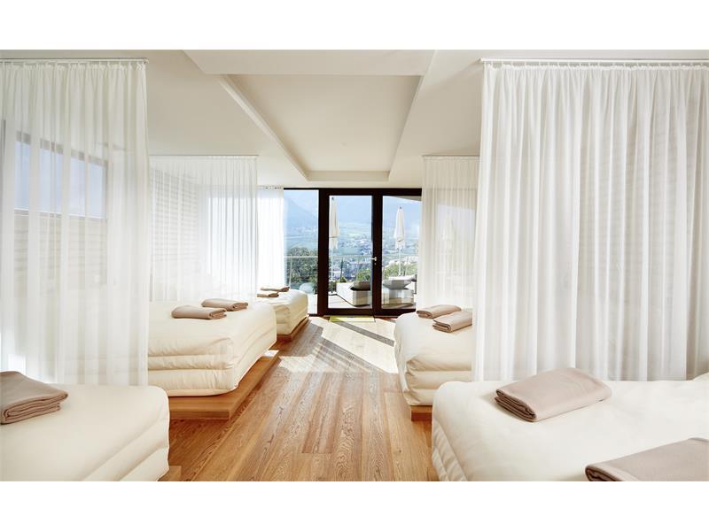 White Silence Lounge