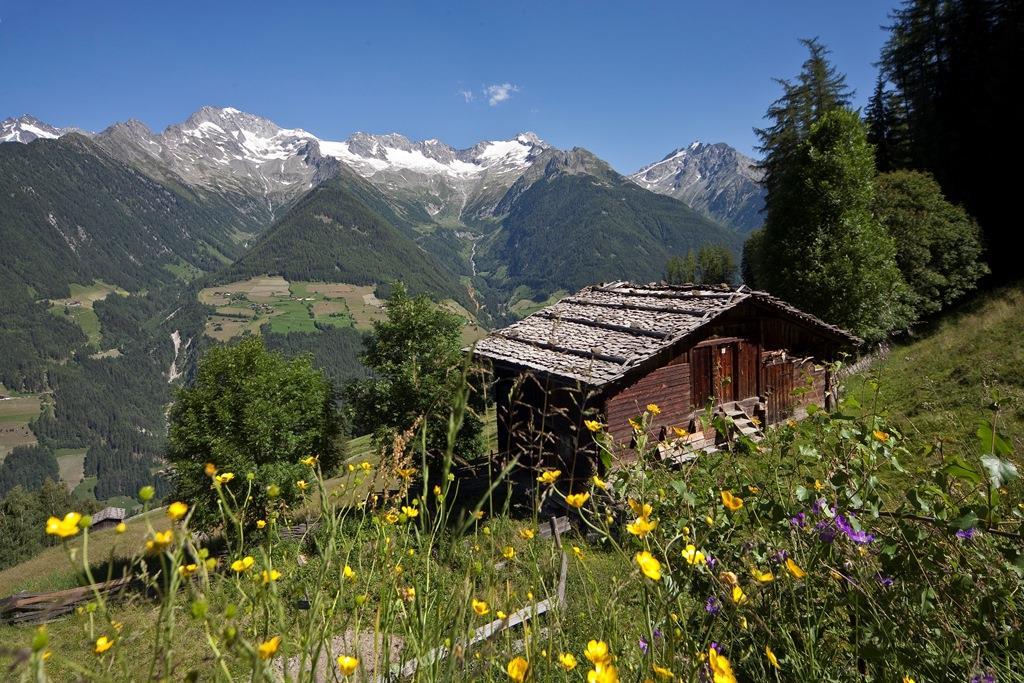 Ahrntal Sun Trails - Mountain huts round trip