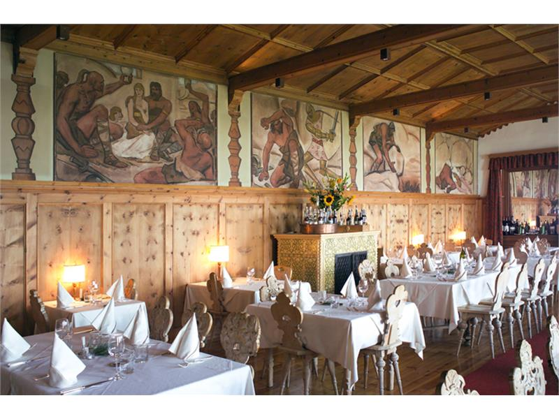 Dining Room Giant Grimm with paintings and frescos from Ignaz Stolz 1934 and 1925