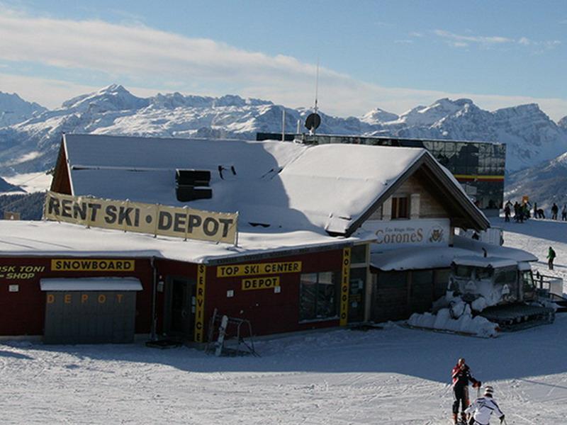 Ski rental service Topskicenter Kronplatz